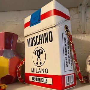 Fashion Kills Moschino Crossbody Chain Bag